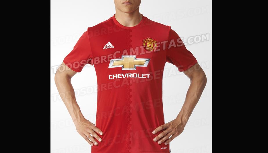 3fedba1be794a Manchester United  se filtró la nueva camiseta de los  Red Devils ...