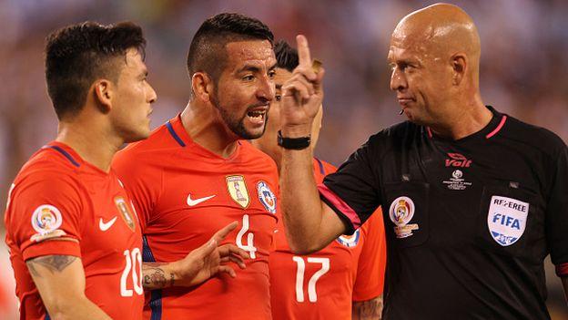 Argentina vs. Chile: la falta que Lionel Messi le cometió
