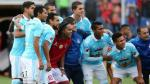 Ronaldinho y la euforia que generó al tomarse una foto con los jugadores de Cristal - Noticias de tomas vega