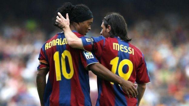 Ronaldinho yo te banco ! El único con jogo bonito