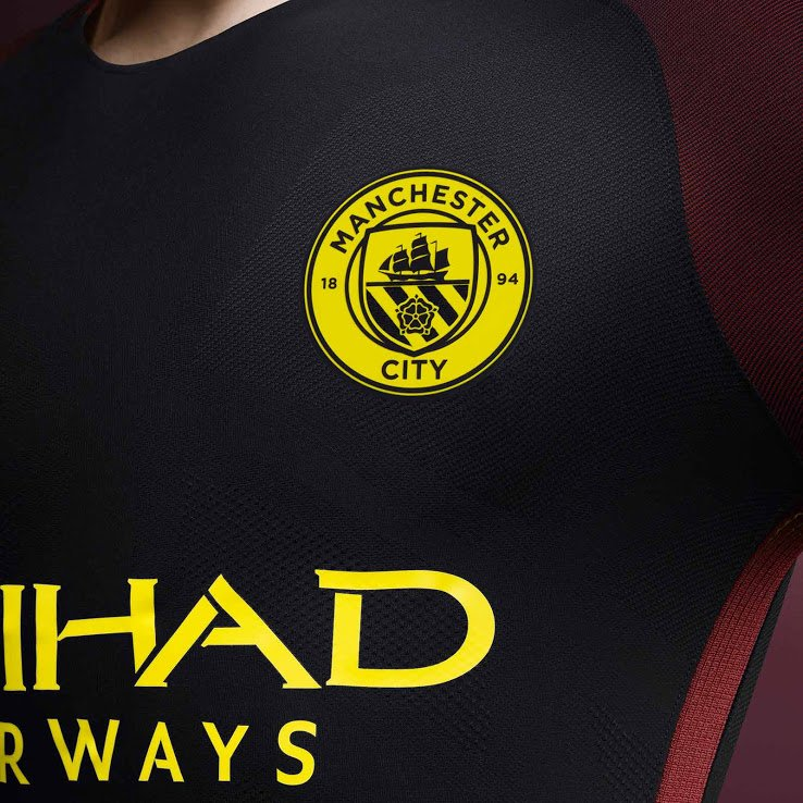 Manchester City presentó la camiseta alterna que usará en la ... e2192d3d34eee