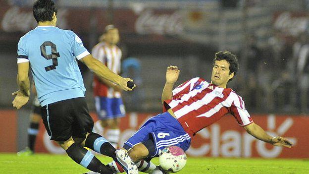 7c4c1d891 Uruguay frente a Paraguay  cómo y cuándo ver partido por fecha 8 ...