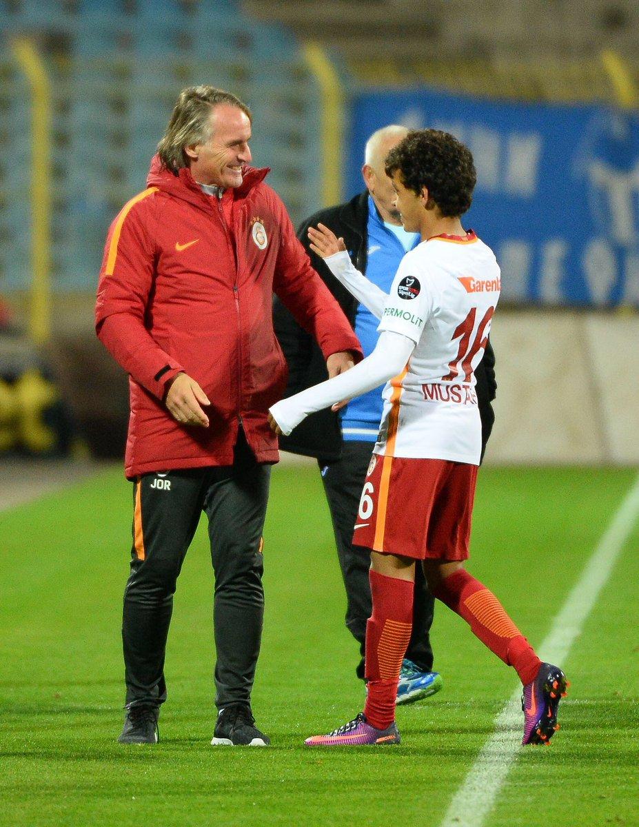 Galatasaray debuta a Mustafa Kapi con tan sólo 14 años