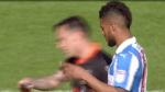 ¡Insólito! Le quita a jugador rival las indicaciones de su técnico en medio del partido - Noticias de norwich city